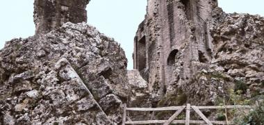 Zamek Corfe Castle (9)