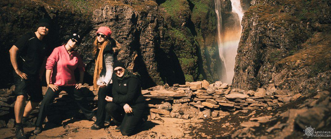Wodospad Glymur – Bo Piękno Wymaga Wysiłku (Islandia).